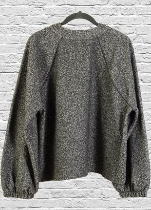 Свободный свитер серый с рукавами колокольчиками2