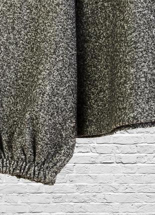Свободный свитер серый с рукавами колокольчиками3