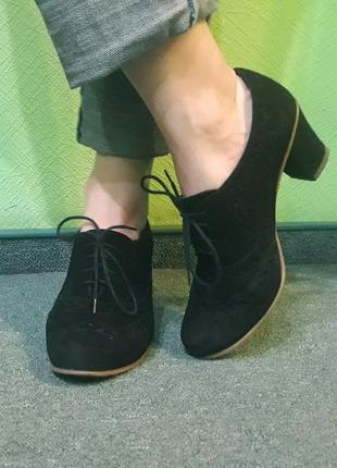Классные замшевые туфли (полу-ботинки) на осень на удобном каблуке