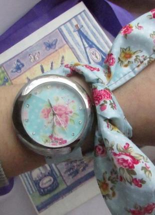 Годинник на ленті