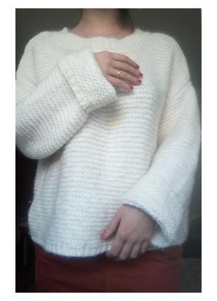 Мягкий белый свитер esprit