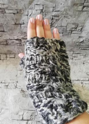Классные митенки,перчатки без пальцев, c&a