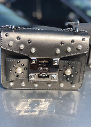 Яркая, стильная сумочка из натуральной кожи
