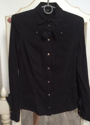 Нарядна черная блузка a.m.n