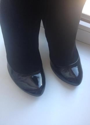 Сапоги женские в цвете черный