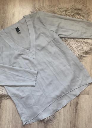 Легкая блуза с красивым вырезом
