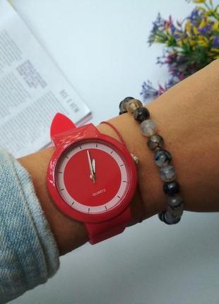 Часы на силиконовом ремешке, силиконовые часы