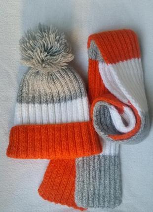 Зимний тёплый вязаный комплект шапка шарфик пумпон