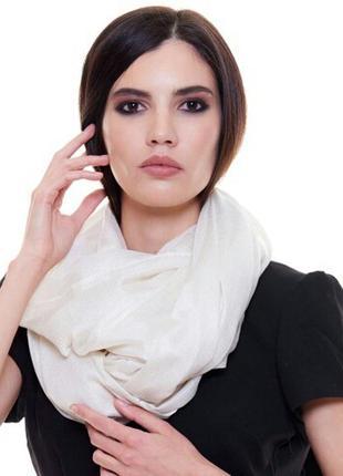 Белый палантин шарф из вискозы с люрексом