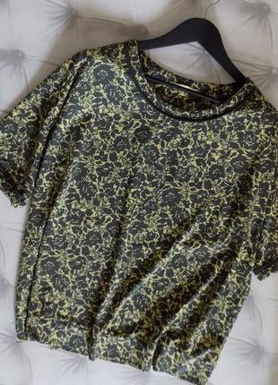 56 р-р трикотажная блуза оч.красивых оттенков