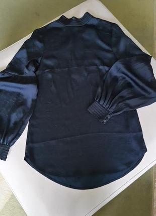 Нарядная блуза h&m с объемными рукавами.