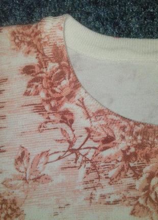 Джемпер белый с розовыми цветами