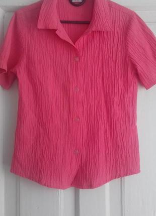 Яркая блузка на лето