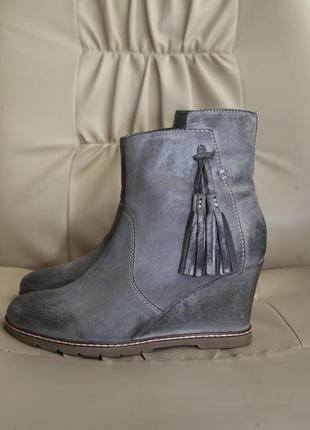 Ботинки на танкетке roberto santi