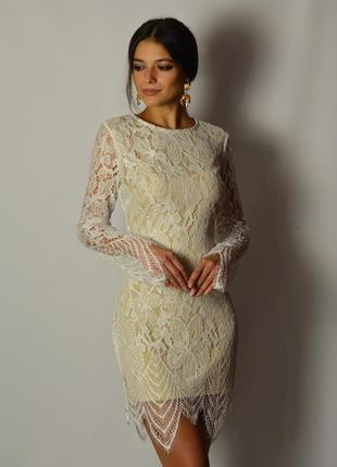 Божественное кружевное платье по фигуре белое французское кружево