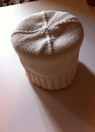 Белая шапка h&m