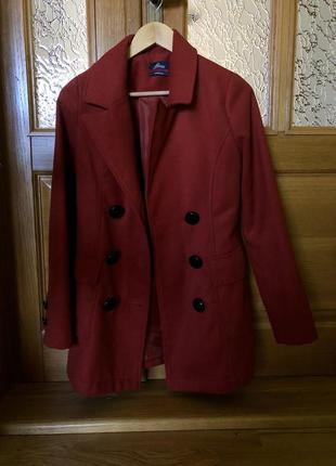 Пальто кирпичного цвета