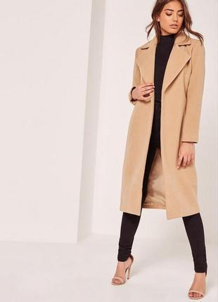 Кремове пальто від бренду missguided