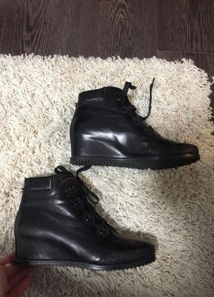 Ботинки - сникерсы