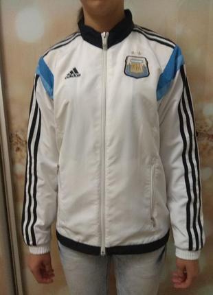 Спортивная куртка.