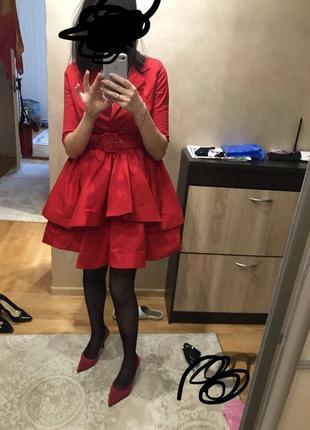 Дуже класне червоне плаття