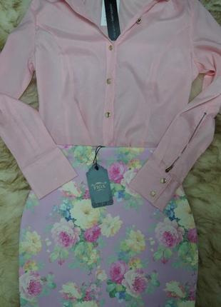 Нежная розовая юбка из неопрена в цветочный принт