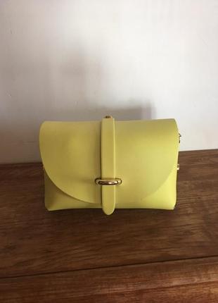 Улетная итальянская маленькая лимонная сумочка