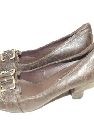 Туфли 36 размер на каблуке straboski 23 см стелька
