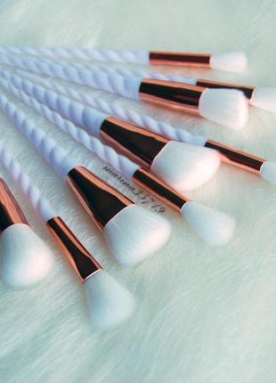 Набор для макияжа 9 милых нежных кистей с ручками в виде рога единорога