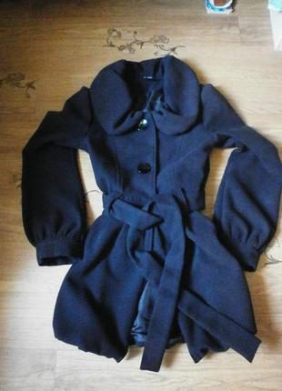 Очень красивое демисезонное пальто кашемир