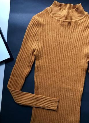 Шикарный горчичный гольф в рубчик / горчичный свитер в рубчик под горло3 фото