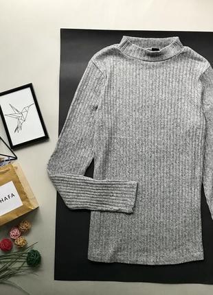 Шикарный серый гольф в рубчик / серый свитер в рубчик