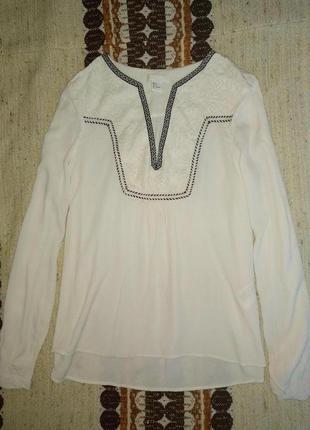 Вышитая блузка вышиванка молочного цвета вишиванка