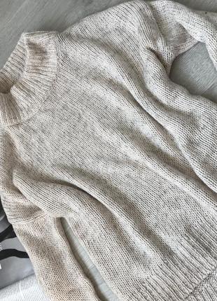 Стилтный объёмный свитер / оверсайз кофта