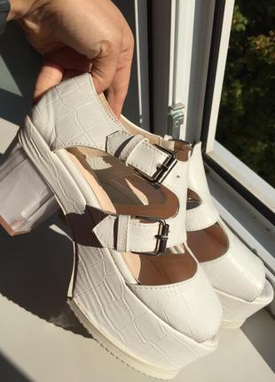 Босоножки на платформе белые 36 размер кожа кожаные сандали туфли летние