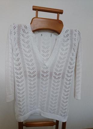 Кофточка свитерок с вырезом
