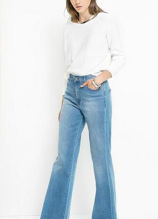 Стильные джинсы с высокой талией чуть расклешенные хит 2018 года