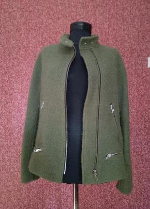 Шерстяная куртка касуха цвета хаки от  zara