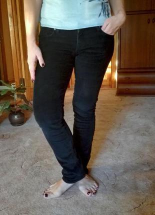 Плотные стрейчевые вельветовые штаны colins на осень/зиму