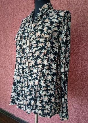 Красивая рубашка из вискозы класной расцветки от river island