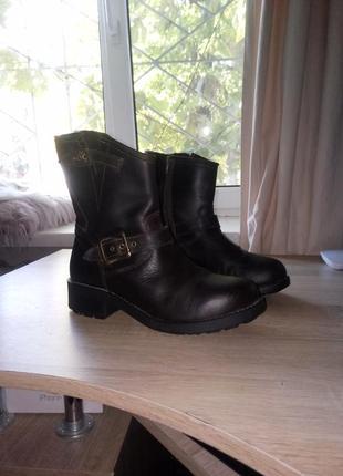Кожанные модные ботинки