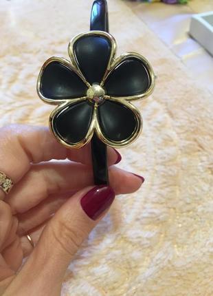 Обруч с чёрным цветком
