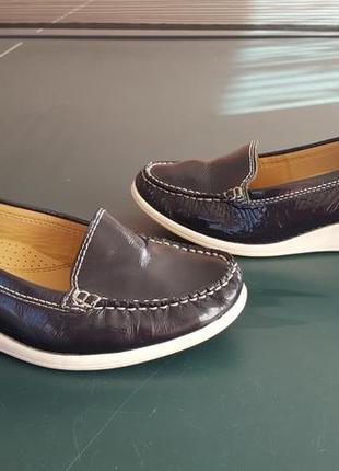 Кожаные легкие лаковые туфельки 38.5-39р