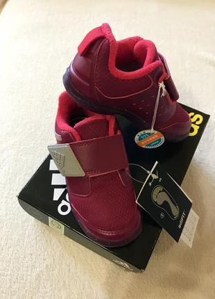 Новые кроссовки adidas 24размер оригинал