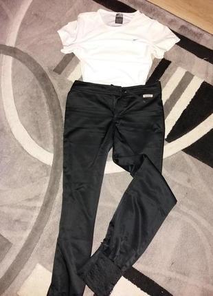 Круті штани від reebok😍😍😍😍💗