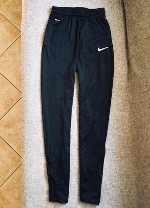 Спортивні штани nike 3f051fcbe3f3b