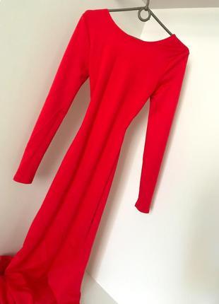 Вечернее нарядное платье красное в пол с шлейфом рыбка открытая спина  длинный рукав