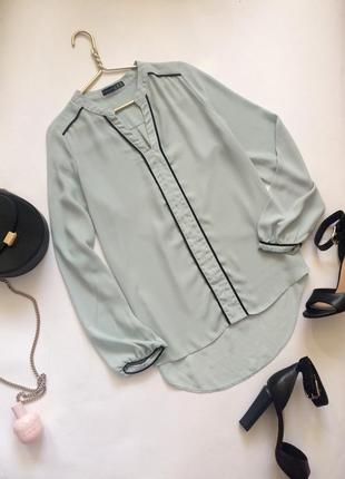 Очень красивая шифоновая блузочка со стоечкой удлиннённой спинкой и длинным рукавом
