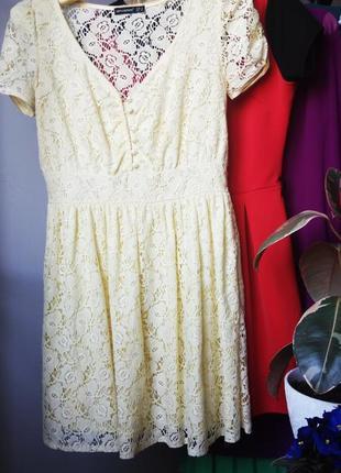 Кружевна сукня ніжно-лимонного кольоу