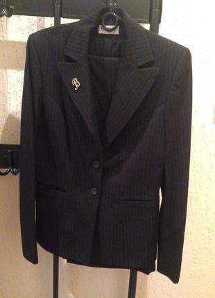 Шикарный брючный костюм в полоску фирмы muray@co collection
